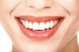 Профессиональная чистка зубов всего за 2014 рублей!